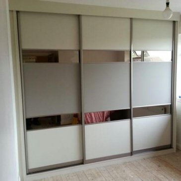 Sliding wardrobes in Dronfield S18