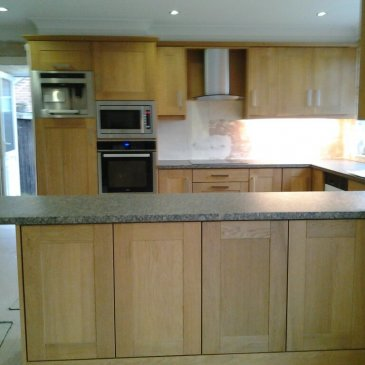 Rutland Oak Shaker kitchen in Chesterfield S42
