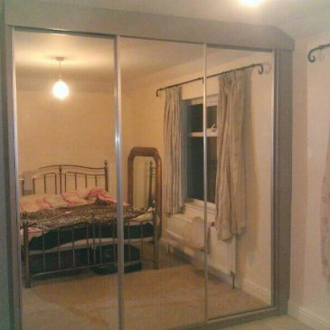 Silver mirrored sliding door, Sheffield S17
